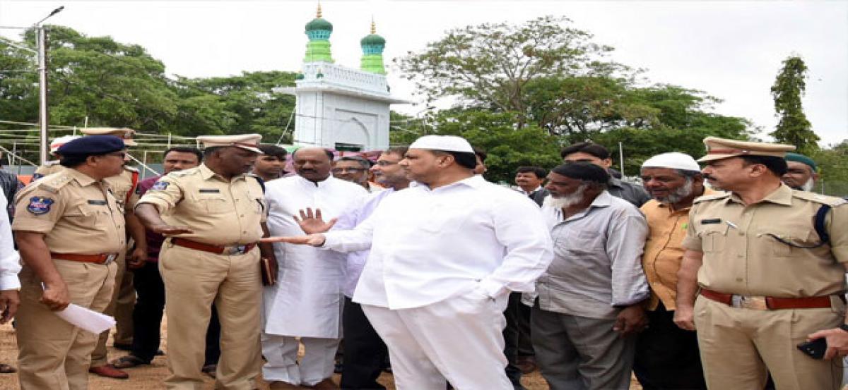 Waqf Board chairman inspects eid arrangements at Eid Gah