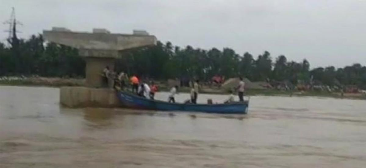 10 missing after boat capsizes in Andhra Pradesh