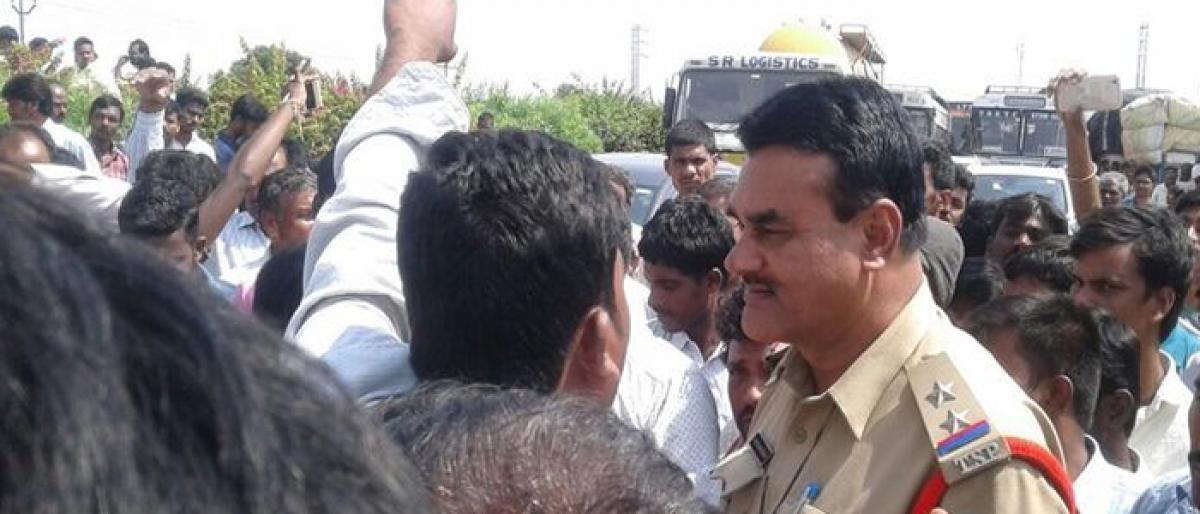 Police baton charge protesting farmers