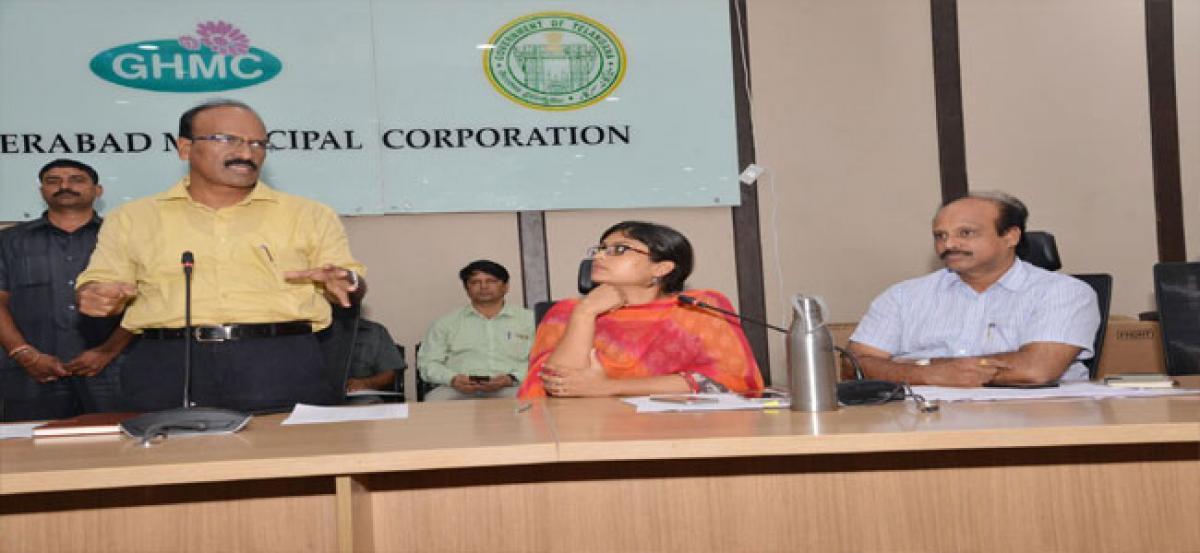 GHMC Commissioner reviews status of 'Basti Dawakhanas'