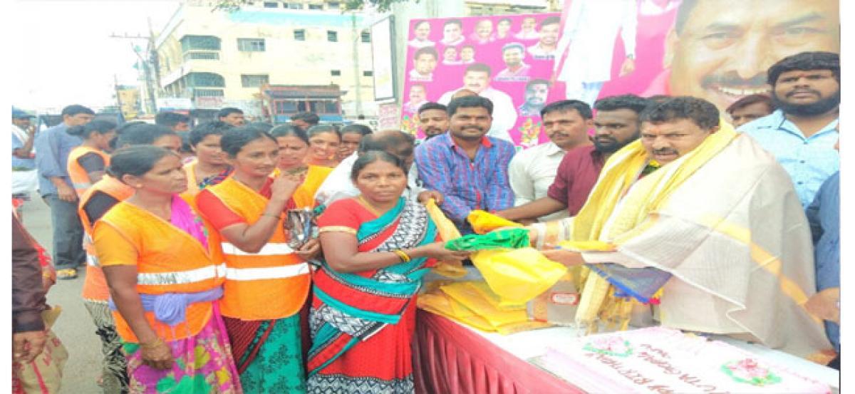 Muta Gopal celebrates birthday with seva programmes