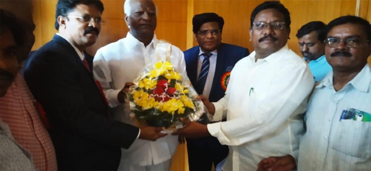 Telangana–Employees JAC demand action against Government Junior College principal