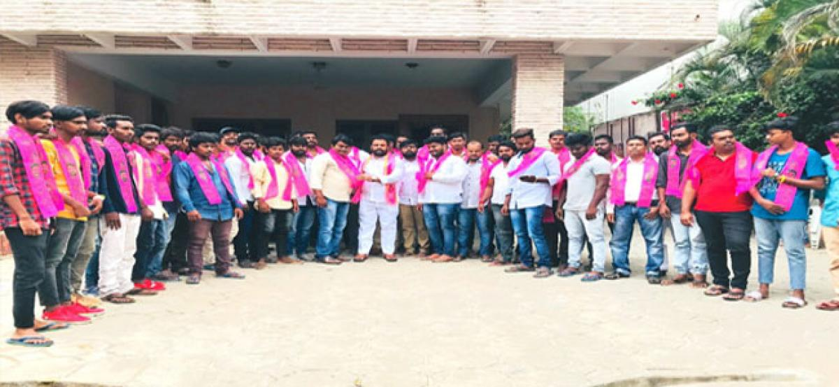 Goverdhan guides youth into TRS partyfold