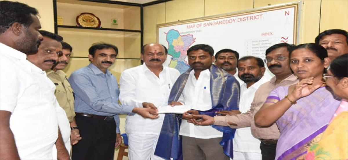 Best Gram Panchayats in Sangareddy get incentives