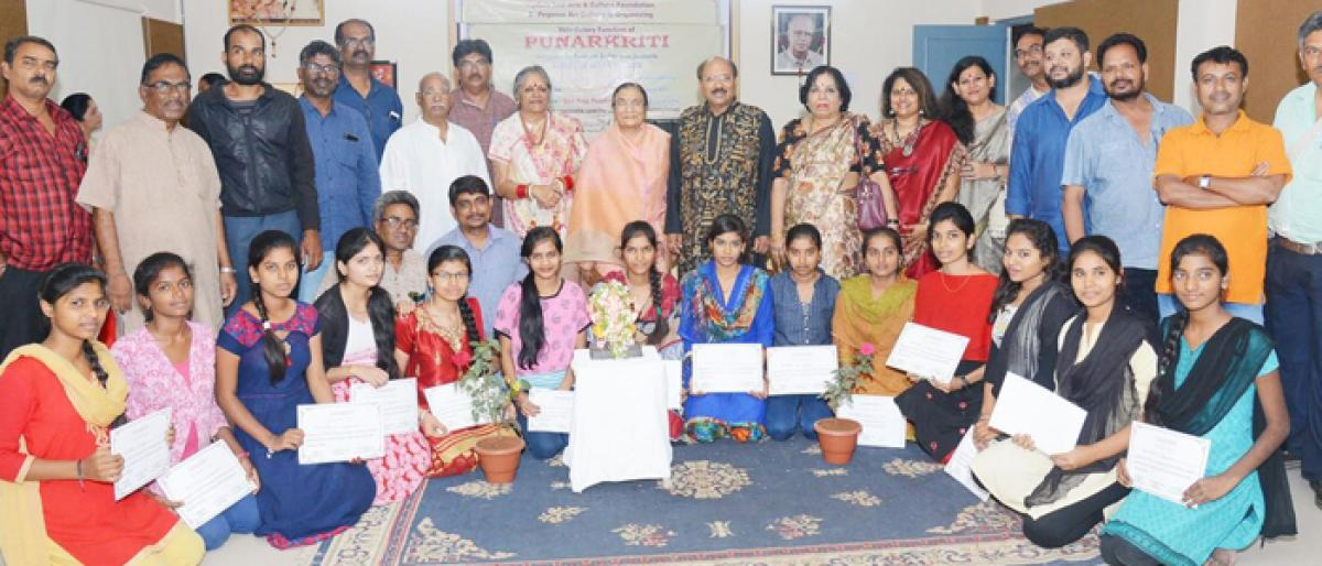 Punarkriti art camp wins accolades from connoisseurs