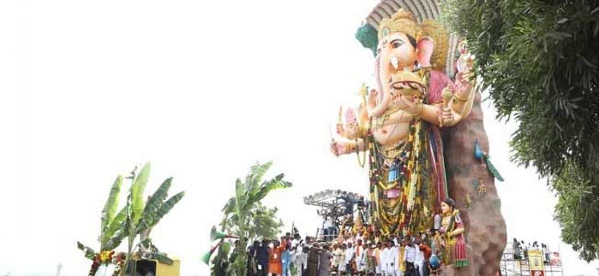 Special trolley readied for Khairatabad Ganesh idol immersion