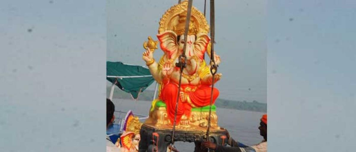 Two washed away in Godavari during Ganesh immersion