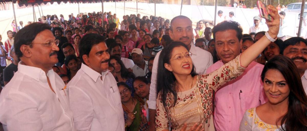 Painting contest on breast cancer organised in Vijayawada