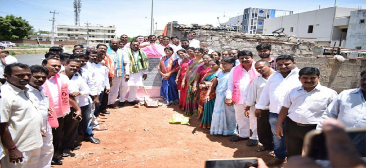 Foundation for road works worth `60 lakh laid