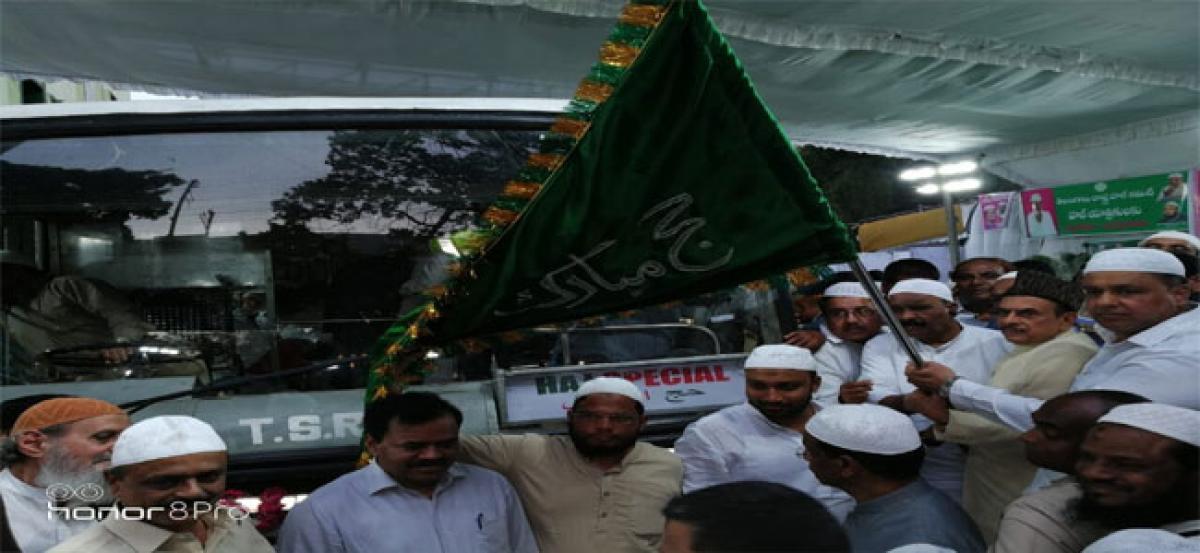 Naini Narsimha Reddy flags off 3rd batch of Haj pilgrims