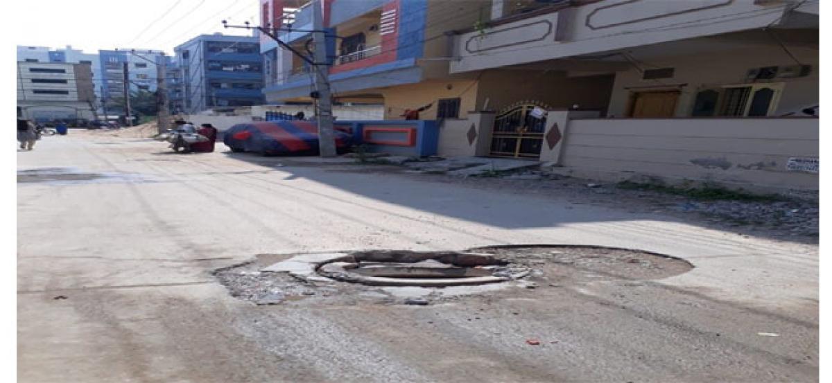 Complaints over 122 manholes pour in Hyderabad