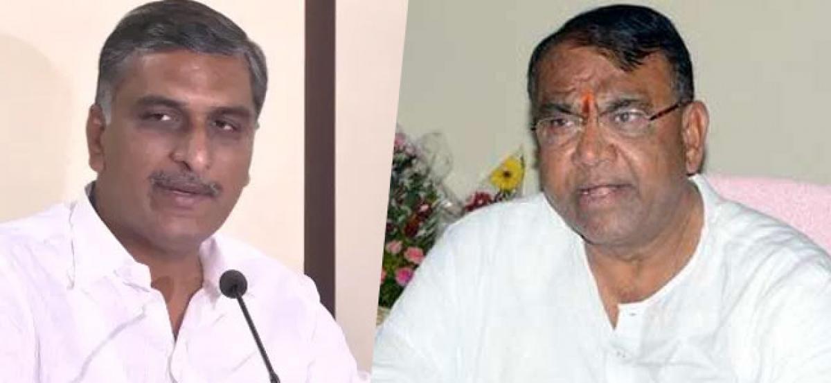 Harish Rao, Kavita meet Minister Pocharam over SRSP water release