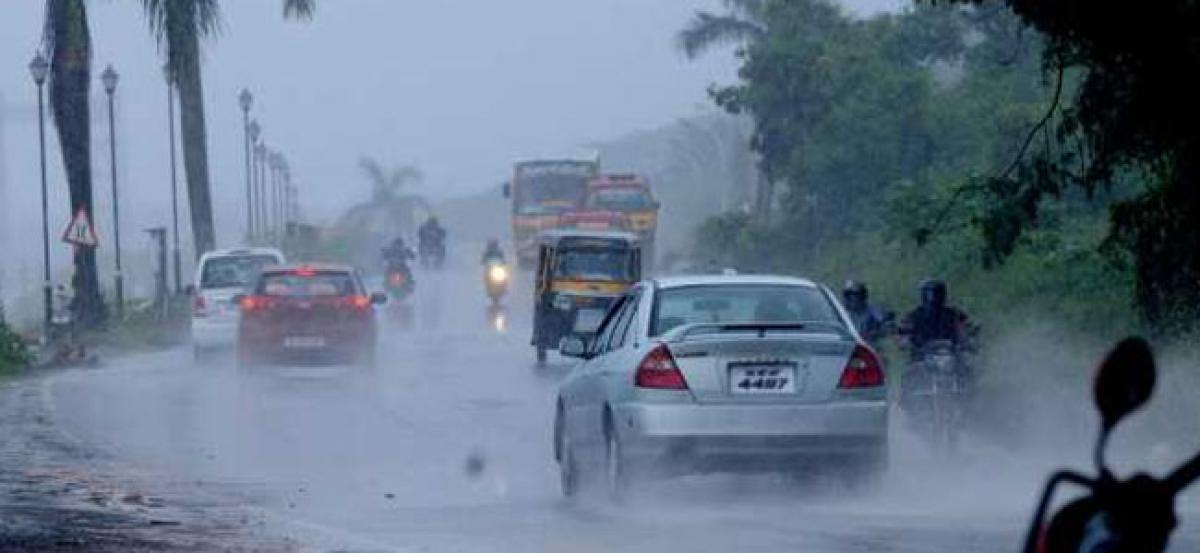 Heavy rains lash parts of city