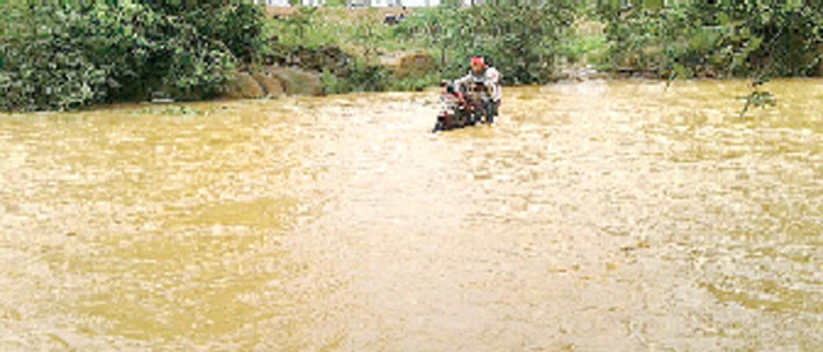 Rain woes keep tribals on the edge