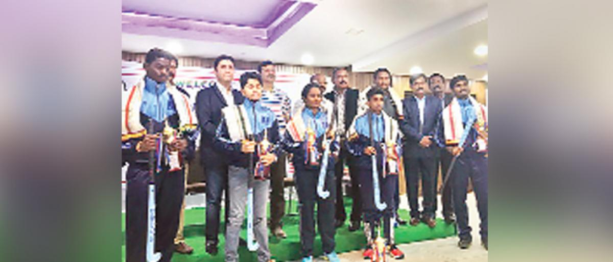 Telangana Hockey rewards Year's Best