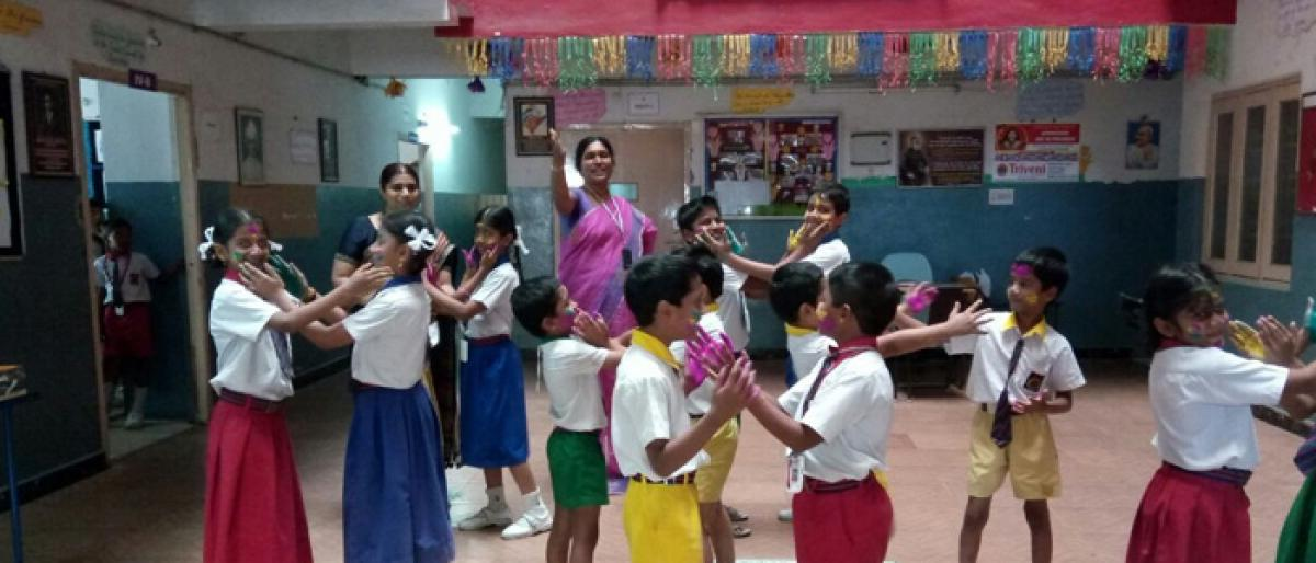 Holi celebrations at Triveni School