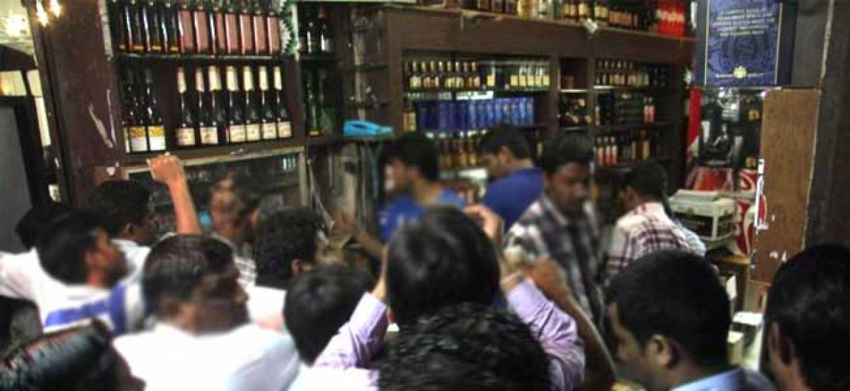 Hyderabad police order closure of wine shops, bars for 3 days