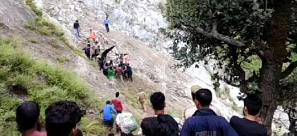 11 killed as vehicle falls into river in J&K, 5-yr-old child only survivor