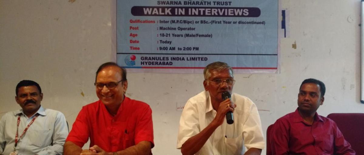Swarna Bharat Trust holds job mela in Mahbubnagar