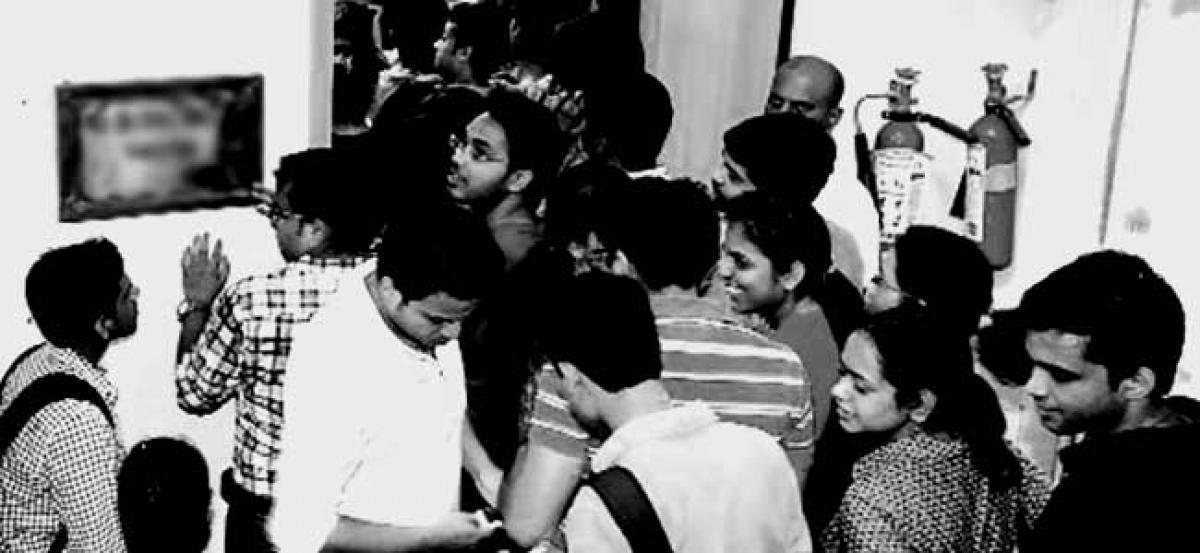 Junior doctor at Kolkata hospital alleges assault by cop