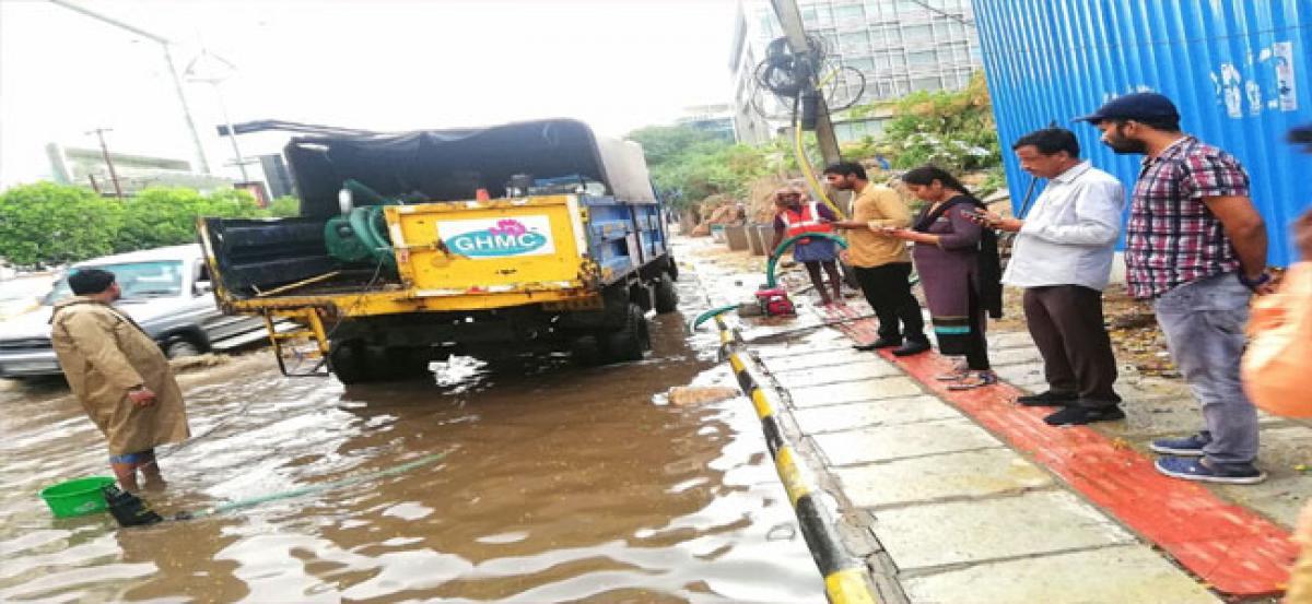 Kavitha visits rain-affected areas in Banjara Hills