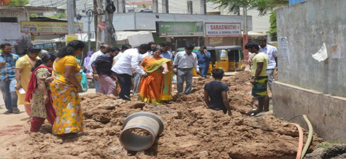 Civic works inspected by Vivekananda Nagar Corporator