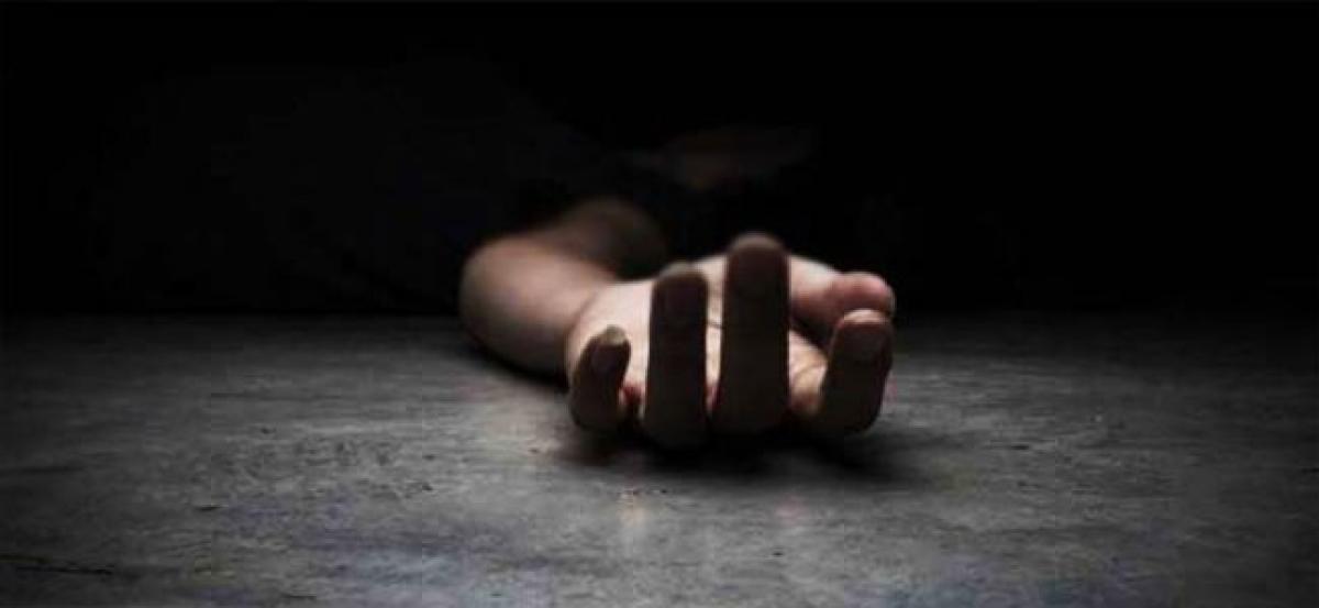 20-yr-old man killed by lighting