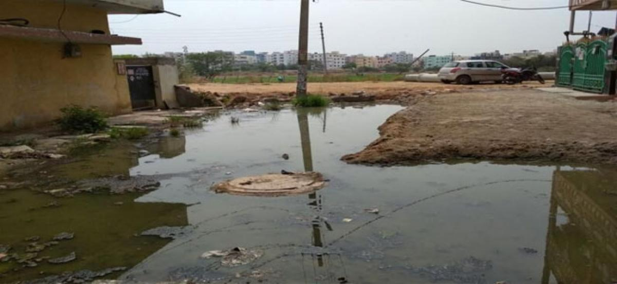 Residents irked over getting sewage mixed drinking water