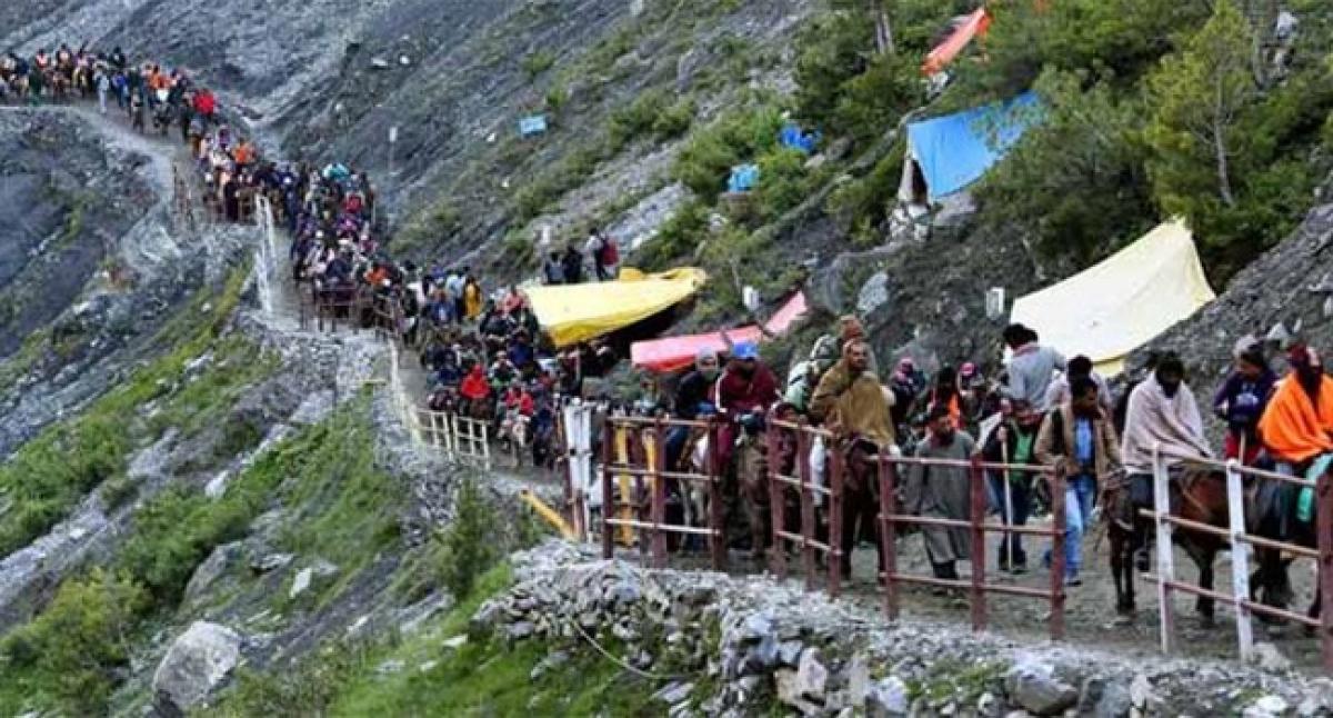 Chandrababu Naidu enquires about pilgrims stuck at Nepal border
