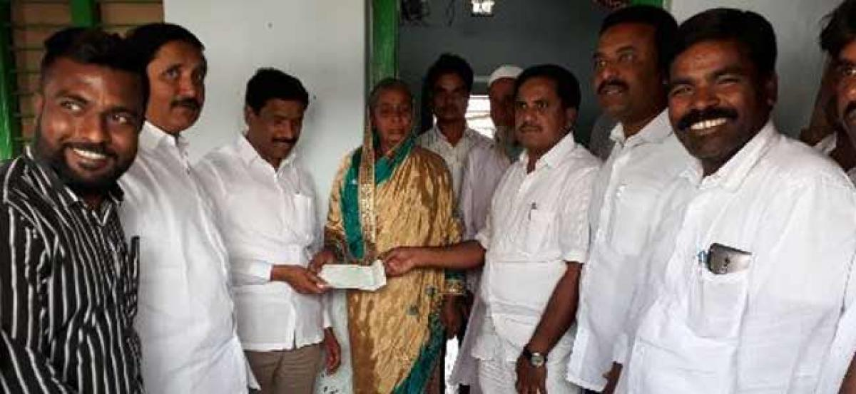 Local leaders of other parties join TRS in Kodangal