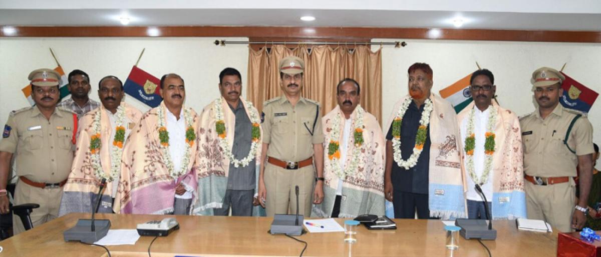 Retired cops felicitated by Karimnagar CP