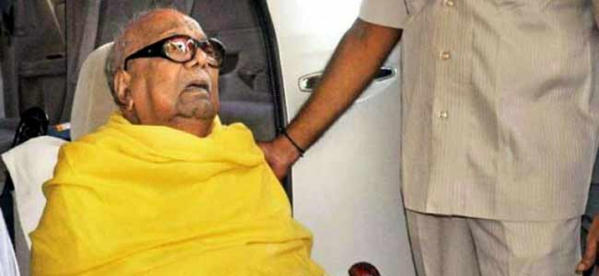 Karunanidhi recovering, says daughter Kanimozhi