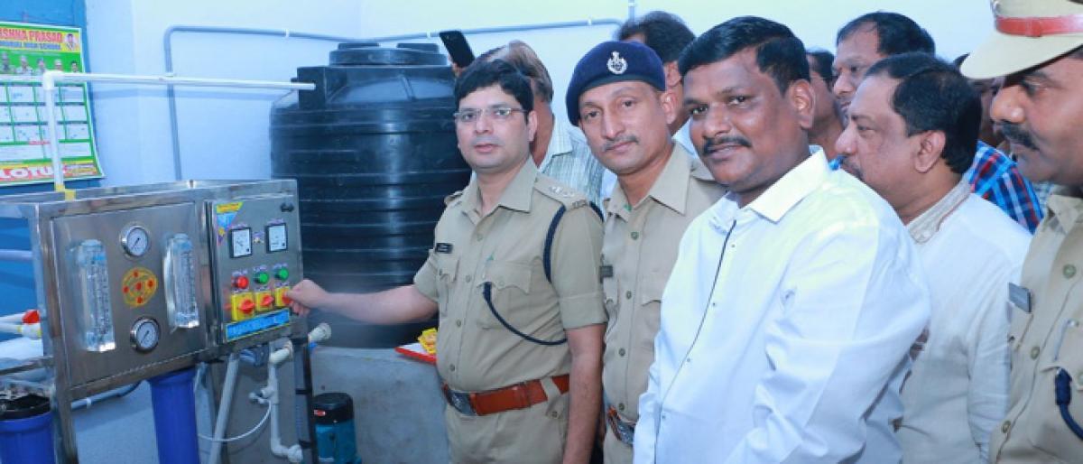 Khammam CP inaugurates miner water plant