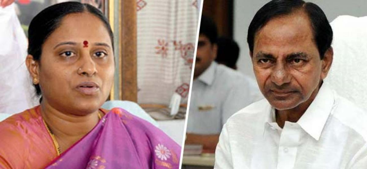 Konda Surekha to hold talks with KCR today over party ticket