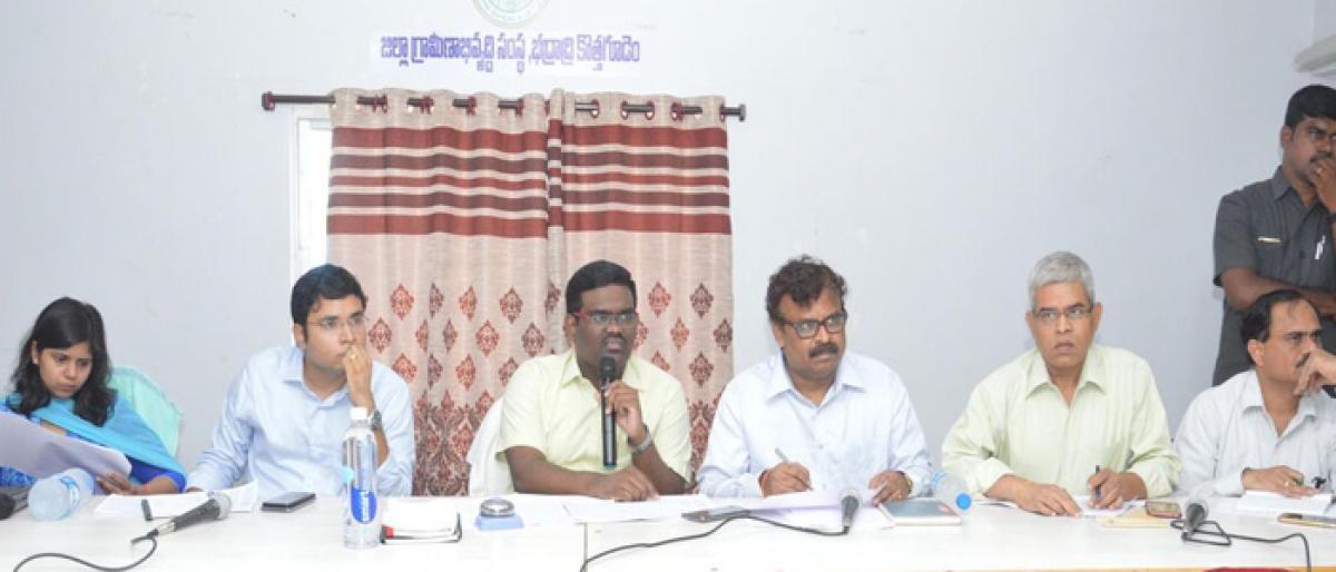 Publicise Rythu Bima scheme: Kothagudem Collector