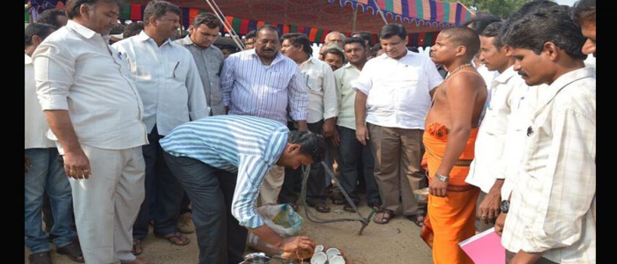MLA Jalagam Venkat Rao initiates works of 4-lane road