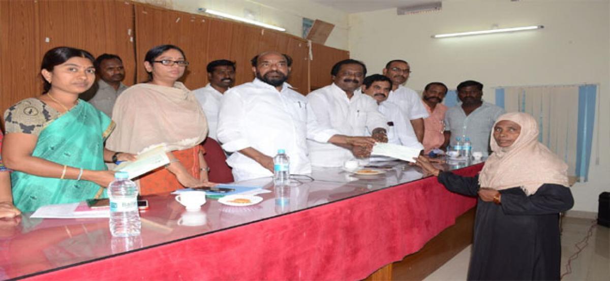 MLA Krishnaiah lauds govt schemes