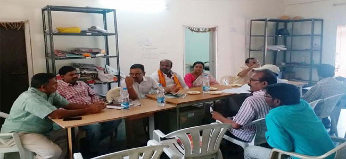Corporator Prasanna reviews development works with officials