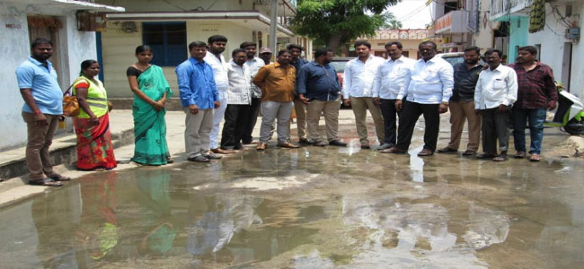 Pannala instructs officials to replace broken sewerage pipeline