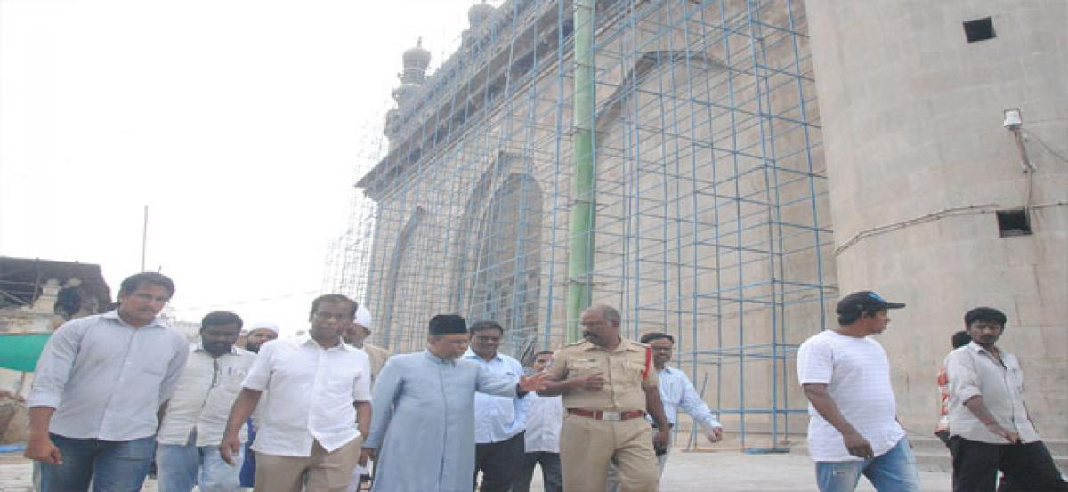 Mecca Masjid restoration works at a brisk pace