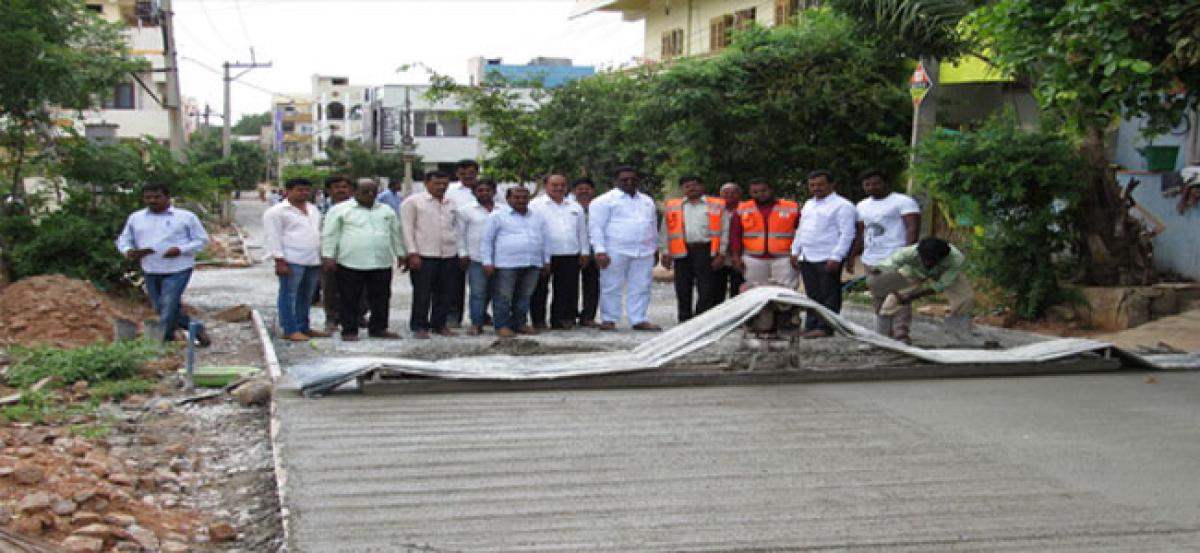 Pannala Devendar Reddy inspects road works