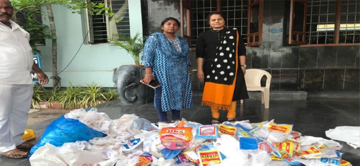 GHMC officials raid shops, seize plastic bags
