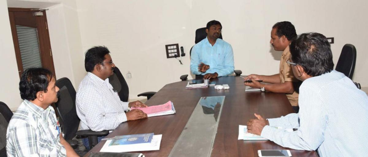 Collector directs officials to develop NH crossings