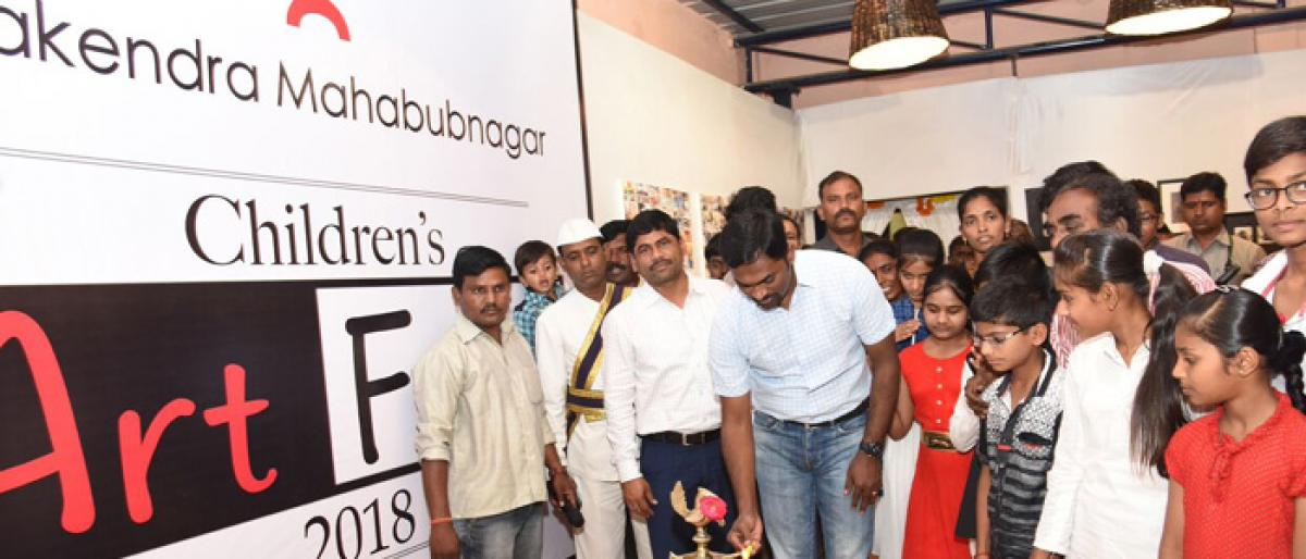 Mahbubnagar Collector promises facilities to promote handicrafts