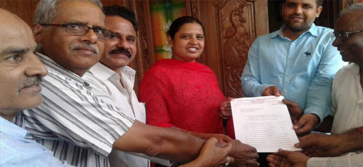 Corporator assures plot owners on FTL issue