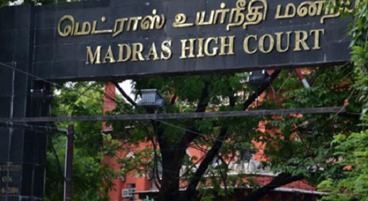 Karunanidhi to be laid to rest at Marina beach: Madras HC