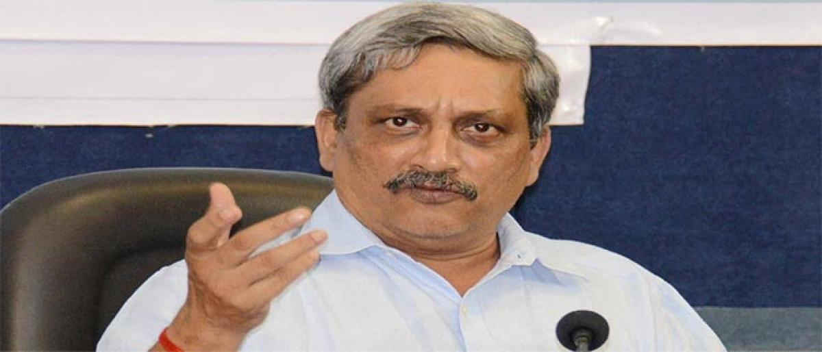 Use cotton, jute bags to solve garbage woes: Parrikar