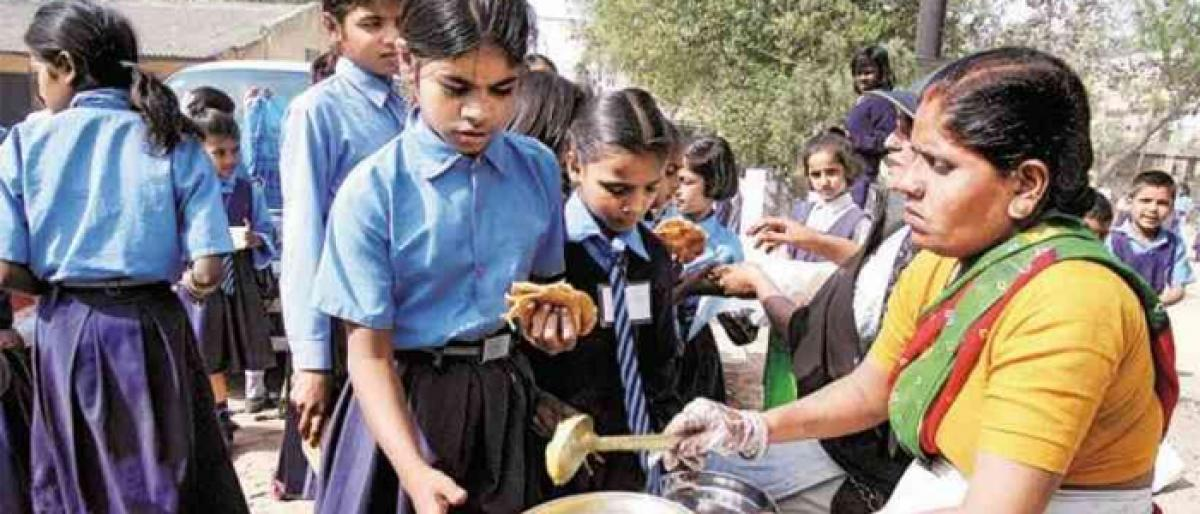 Mid-day meal workers to hold demonstrations on Sept 24