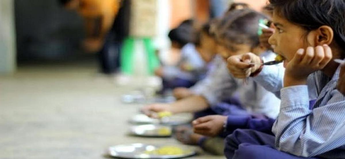Delhi: 13 children hospitalised after consuming mid-day meal