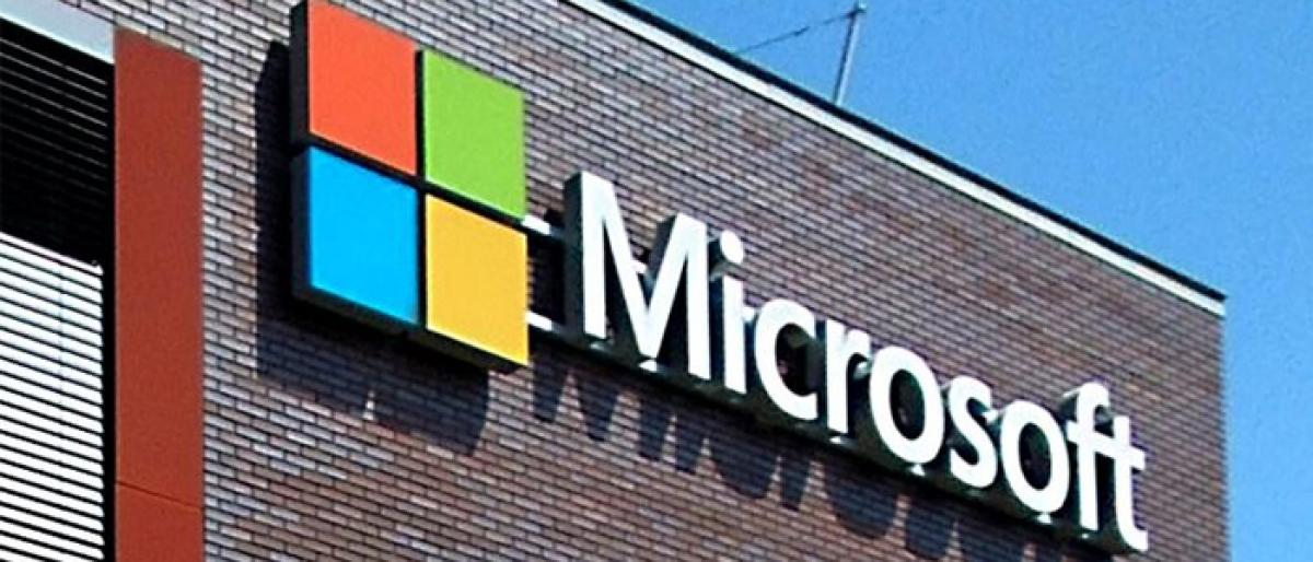 Microsoft to keep working with US military, despite concerns